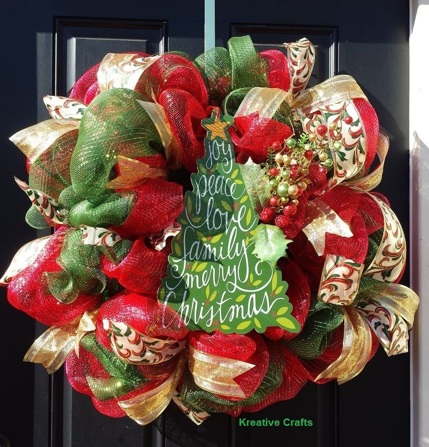 Red and Green Deco Mesh Christmas Wreath.  Kreative Crafts