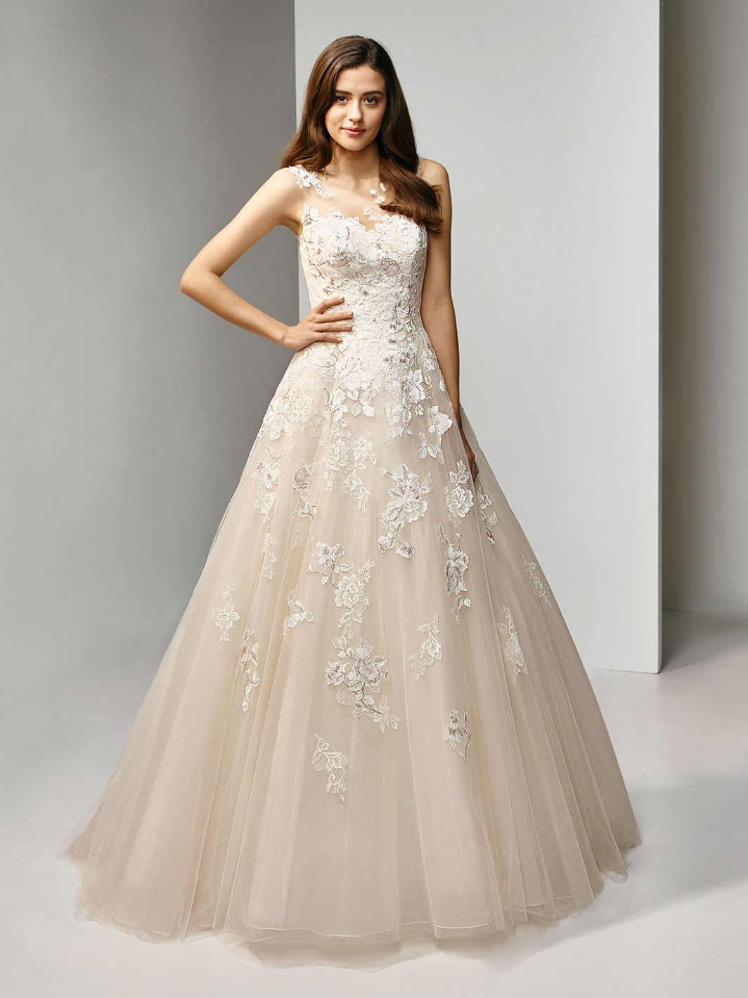 Beautiful By Enzoani Bt19 3 Trouwjurk Collectie D Amore