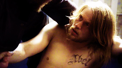 The Sons Taking Care Of Jax After Abel Is Kidnapped Charlie Hunnam Charlie Hunnam Charlie Hunnam Soa Charlie