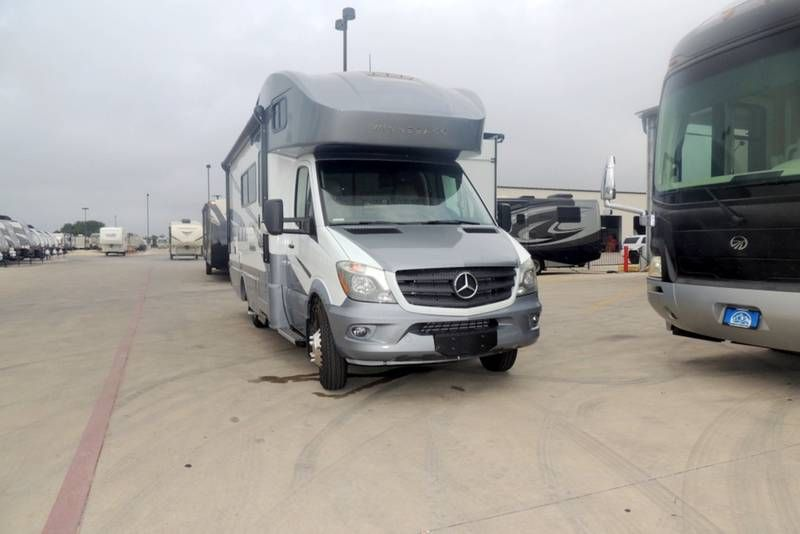 2018 Winnebago Navion 24d For Sale New Braunfels Tx Rvt Com