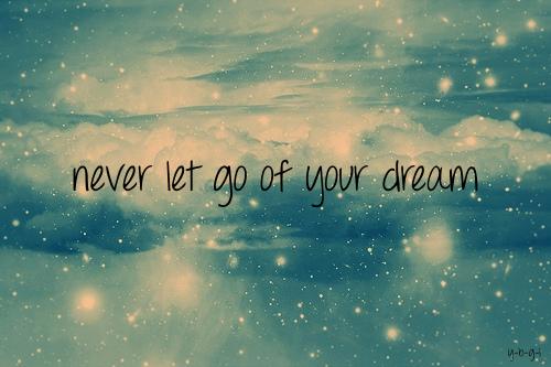 Dreams come true one day.Belive it! | Gebrochenes herz, Quote girl, Bilder