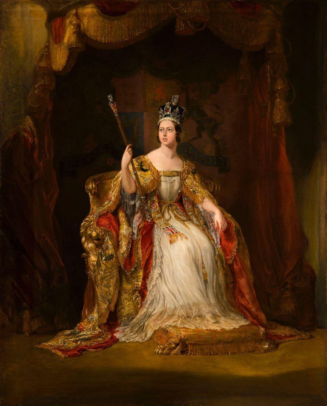 "𝐌𝐨𝐧𝐚𝐫𝐜𝐡𝐢𝐞𝐬 𝐨𝐟 𝐄𝐮𝐫𝐨𝐩𝐞 on Instagram: """"Queen Victoria"" a  Coronation portrait by Sir Geo… | Queen victoria, Young queen victoria, Victorian  portraits"