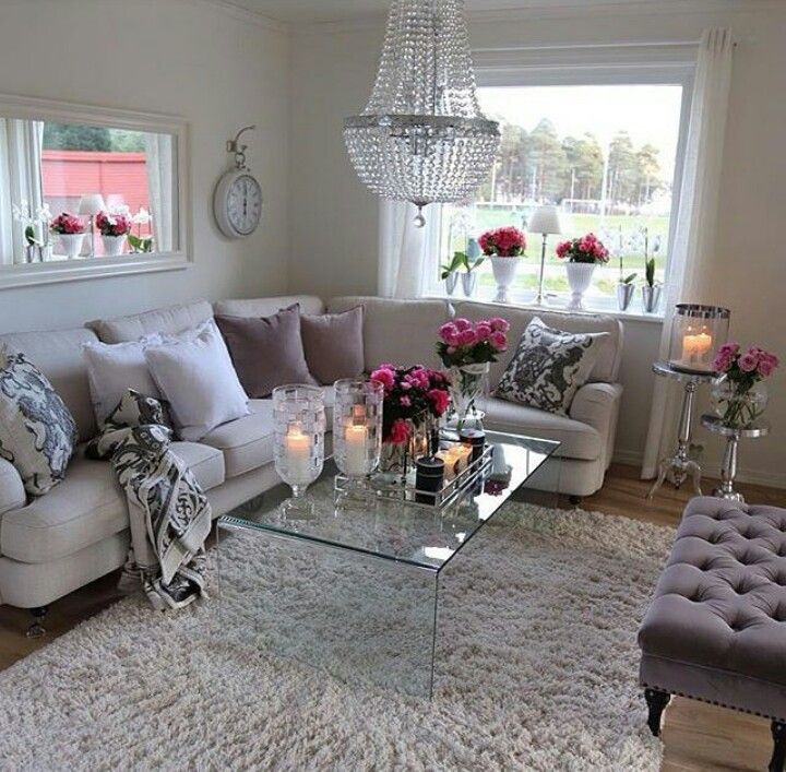 Lovely Vintage Living Room Ideas With Glamour Furniture: Living Room With A Touch Of Class And Elegance