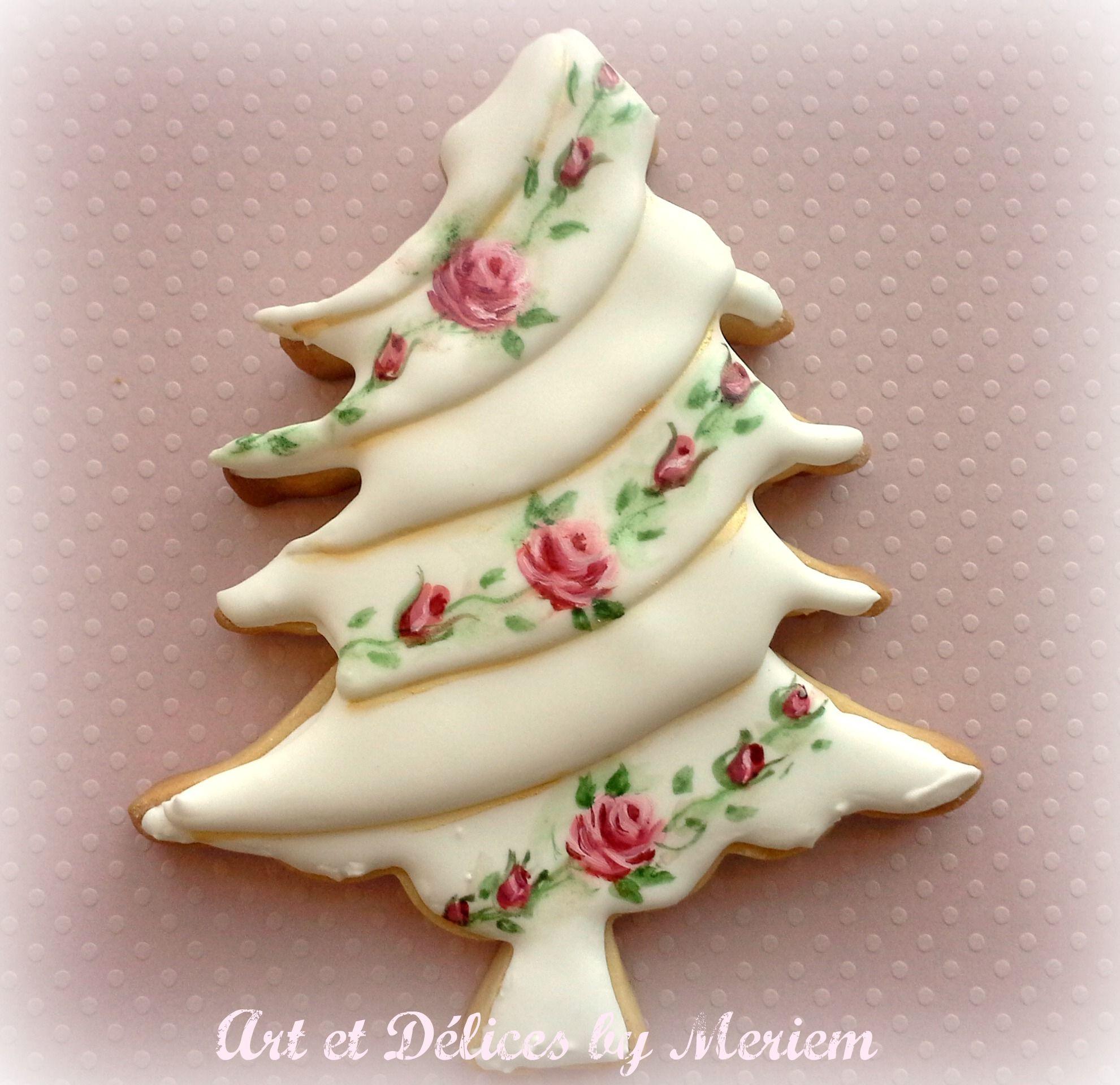 Christmas Tree Decorated Cookies: Hand Painted Vintage Christmas Tree.