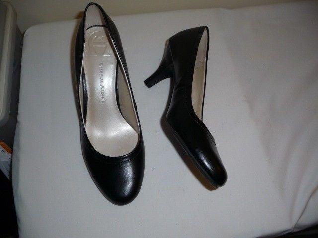 Etienne Aigner womens black pumps heels sz 8 1/2 M new without box NICE  #EtienneAigner #PumpsClassics