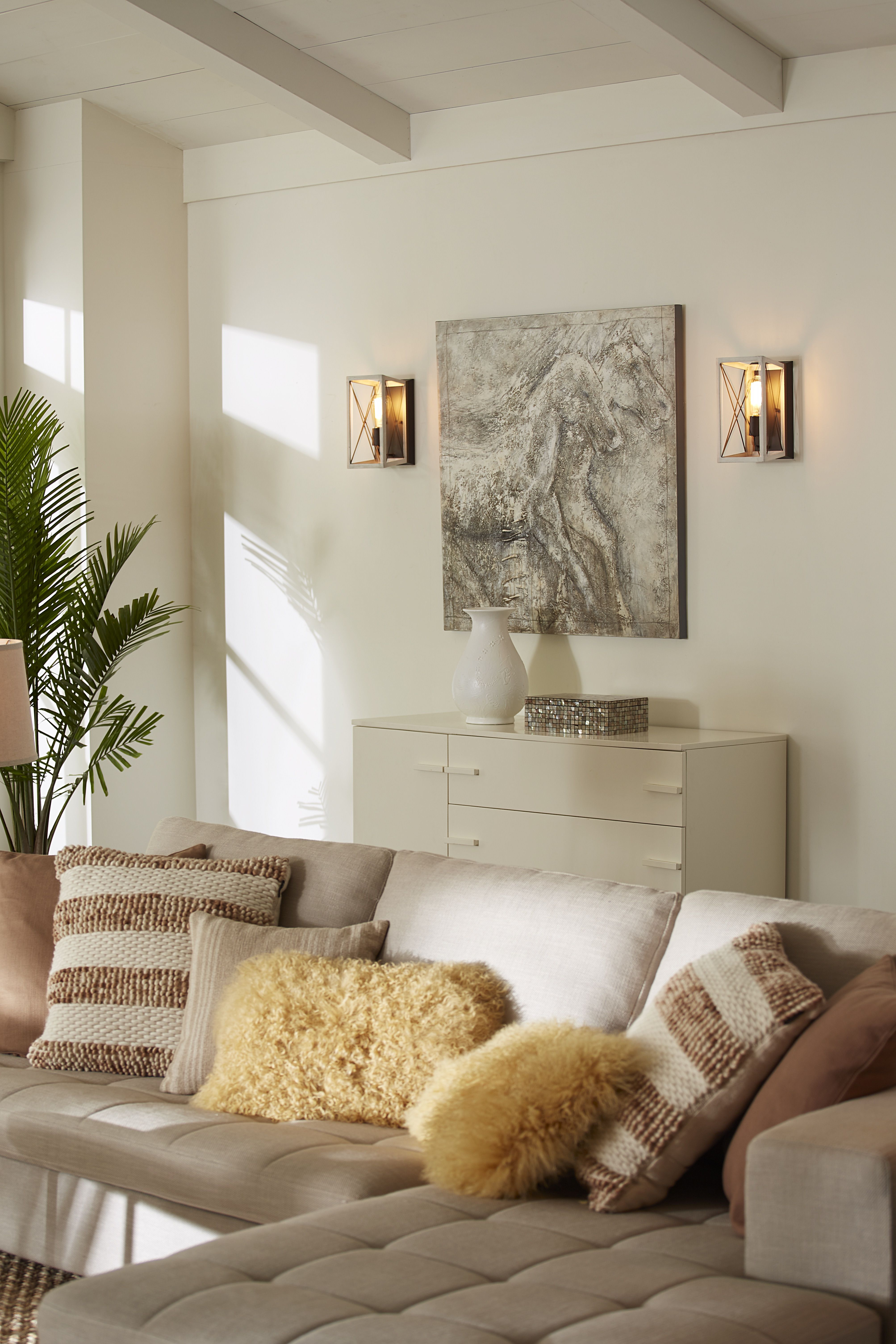 50 Awesome Traditional Wall Sconces Living Room Decor Ideas Trendehouse Wall Sconces Living Room Sconces Living Room Sconce Lighting Living Room