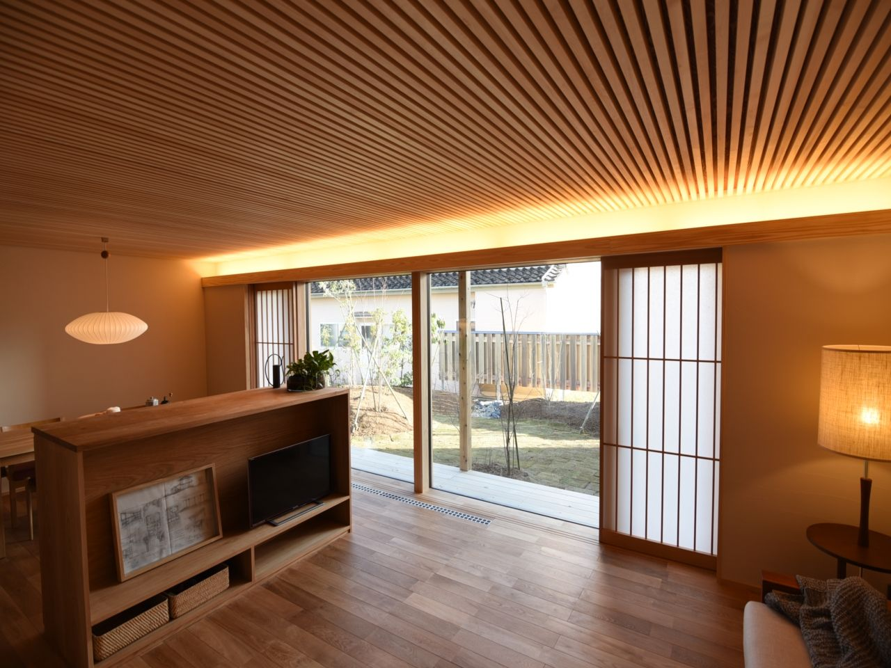 キッチン 天井 板張り Google 検索 家 家 づくり リビング 間取り