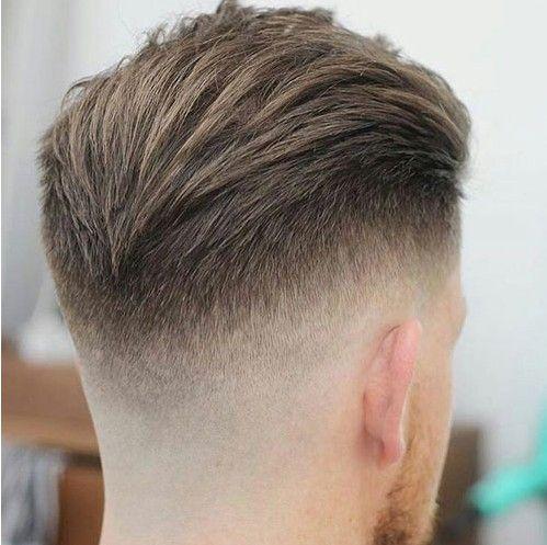 La Coiffure Slicked Back Undercut Coupe De Cheveux Homme Cheveux Gomines Coupe De Cheveux Coupe Cheveux Homme