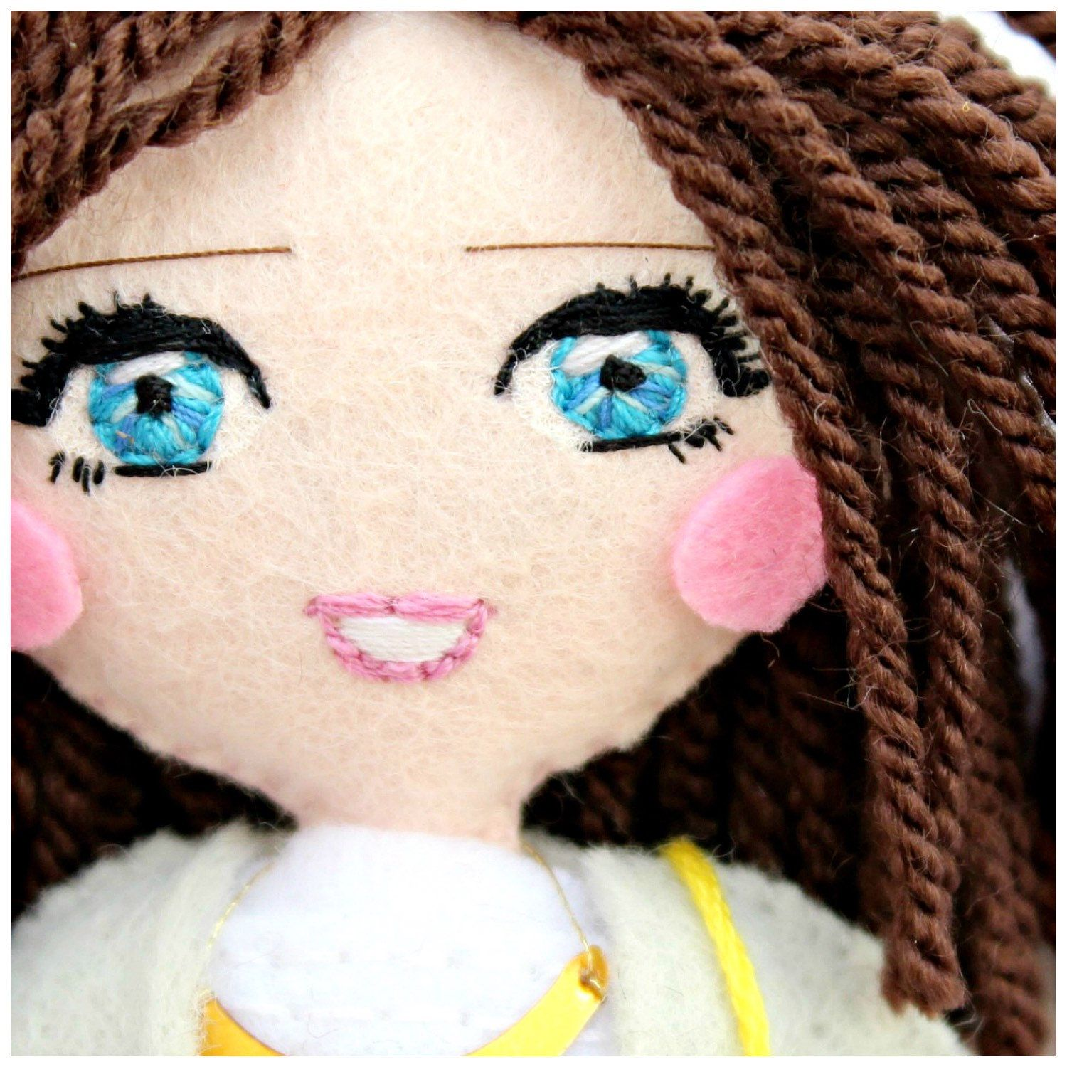 Safety eyes/1 pair/Embroidered eyes/Blue Green Brown/Dolls eyes/