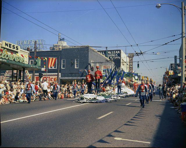 Seafair Parade In University District 1964 South Seattle Seattle Neighborhoods Lake Union