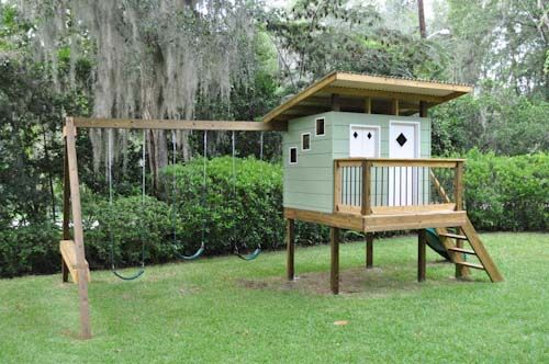 An awesome dad out there built this retro playhouse to go with the style of their home.