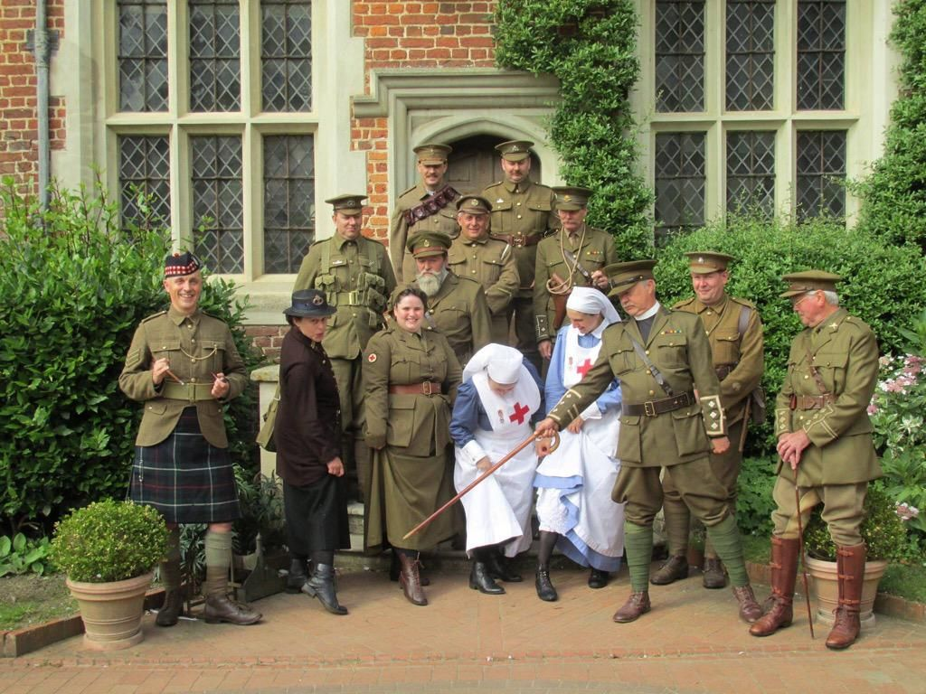 Kentwell Hall on Wwi, Going postal, Scandal