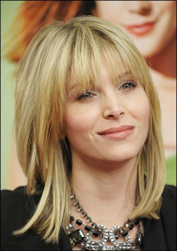 Short Hairstyles For Round Faces Short Hairstyles For Round Faces Ideas Bangs With Medium Hair Medium Layered Hair Medium Hair Styles For Women