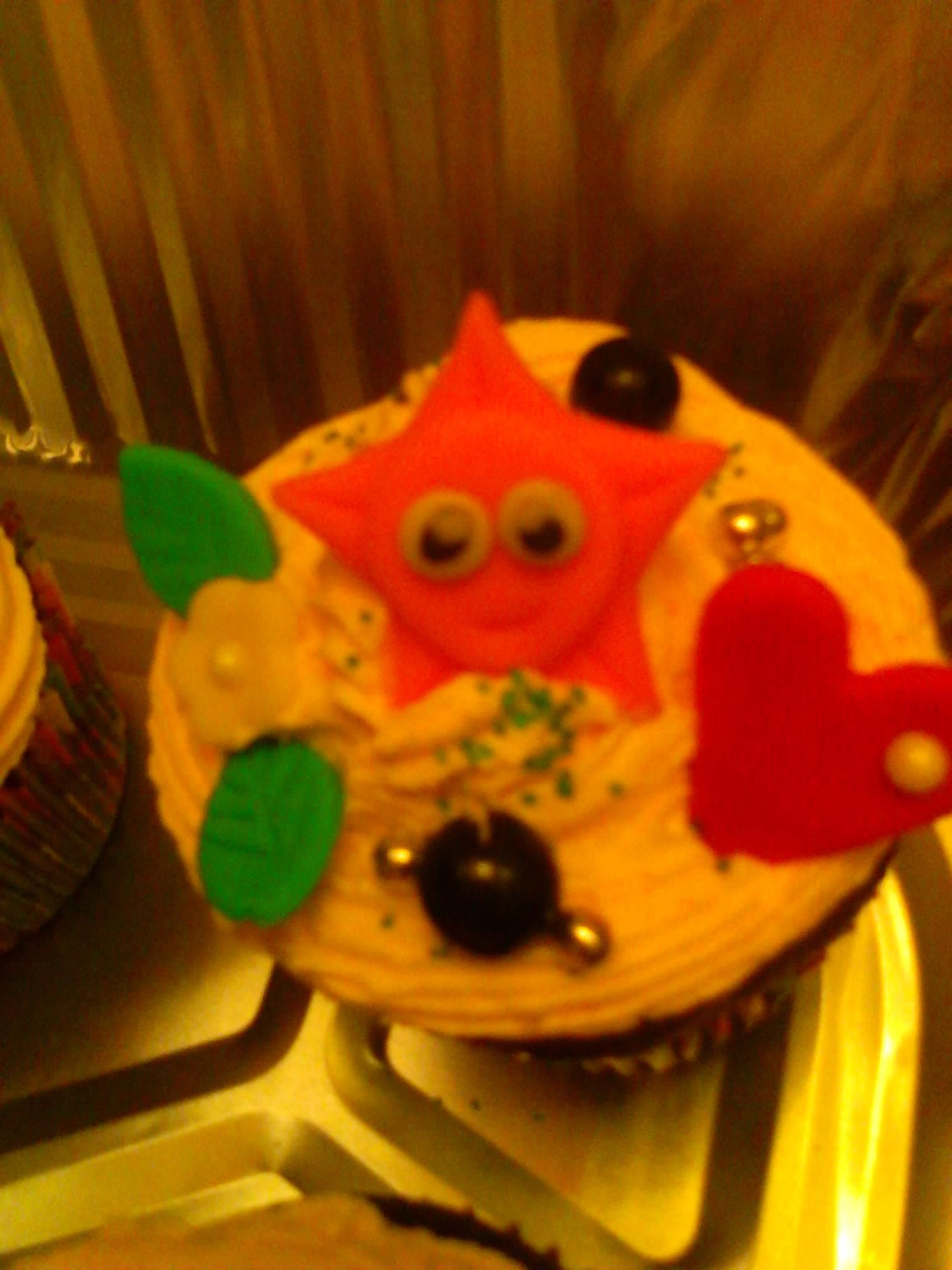 Star from Dora the explora cupcake and fondant characters