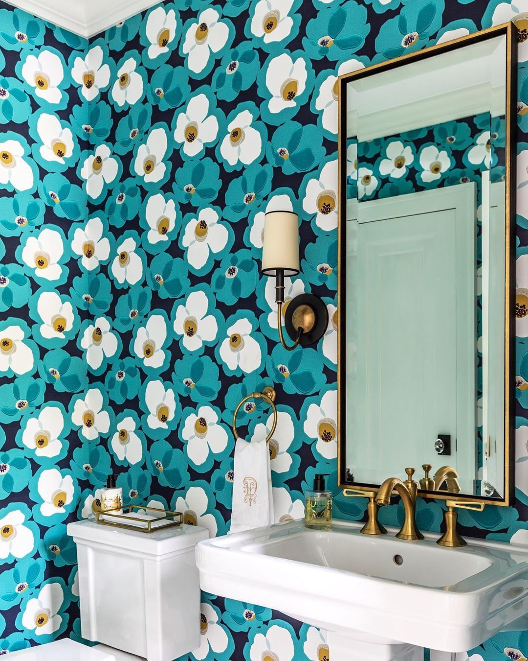 Jacksonville Magazine On Instagram Off The Walls I Love Wallpaper And How It Can Transform A Space I Often He Love Wallpaper Said Wallpaper Off The Wall