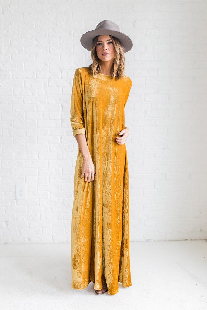 d9511a491d DETAILS  - Velvet maxi dress with long sleeves - Dijon mustard color -  Model is 5 9