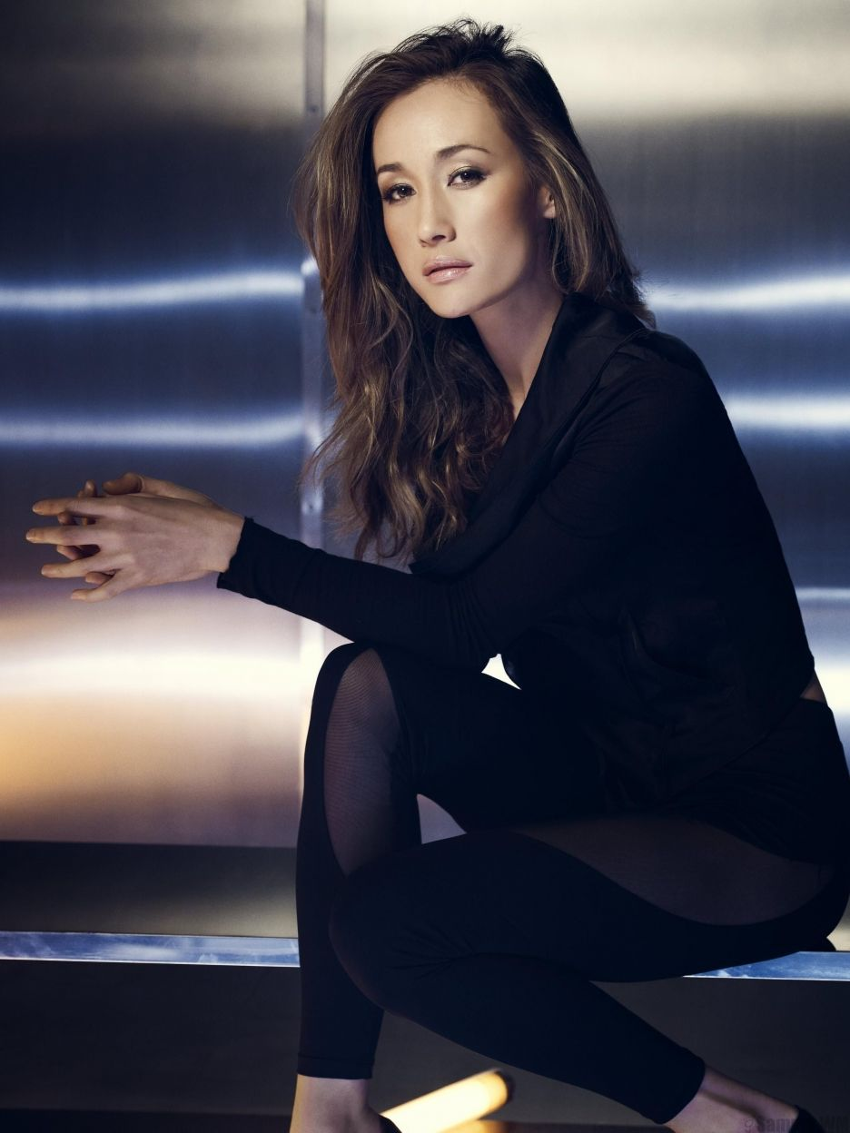 Maggie q in pantyhose