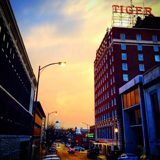 Photo From Kingsthings On Instagram Featuring The Tiger Hotel And Jesse Hall In Downtown Columbia Mo Instagram Photo Downtown Instagram