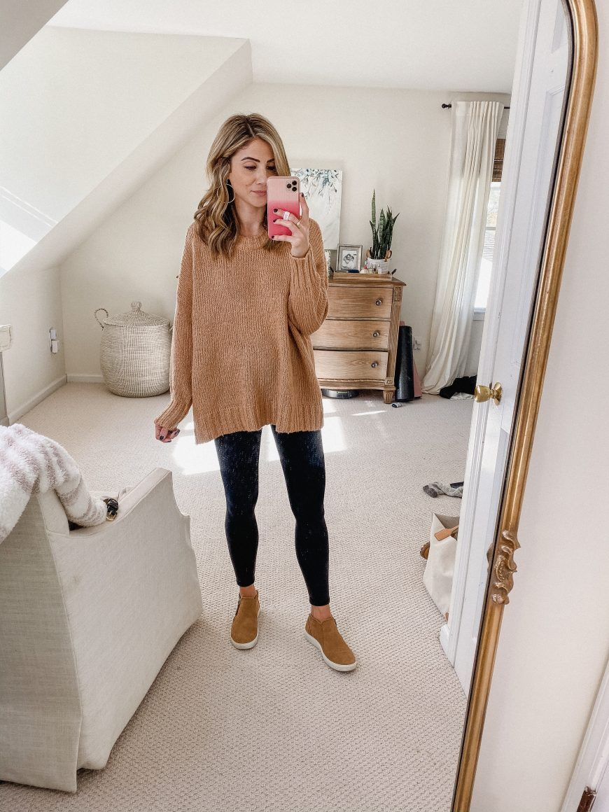Casual mom outfits for fall lauren mcbride in 2020 mom