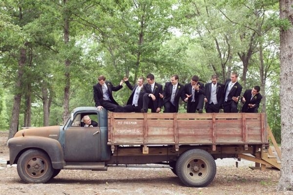 groomsmen having a little fun | photo by http://www.twochicsphotography.com