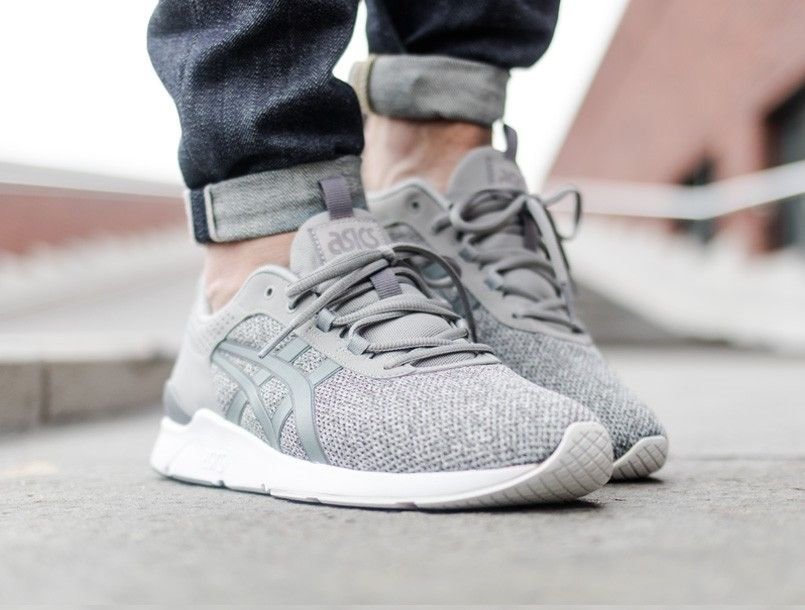 Asics Gel-Lyte Runner light grey on foot 2