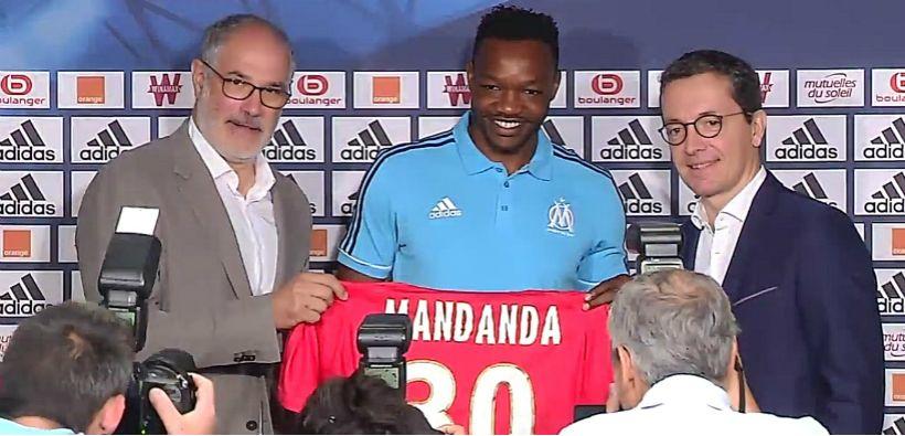 Pour son retour à l'OM, Mandanda fait un gros don à la fondation du club http://footballstories.konbini.com/news/retour-om-mandanda-don-fondation-club/?utm_campaign=crowdfire&utm_content=crowdfire&utm_medium=social&utm_source=pinterest