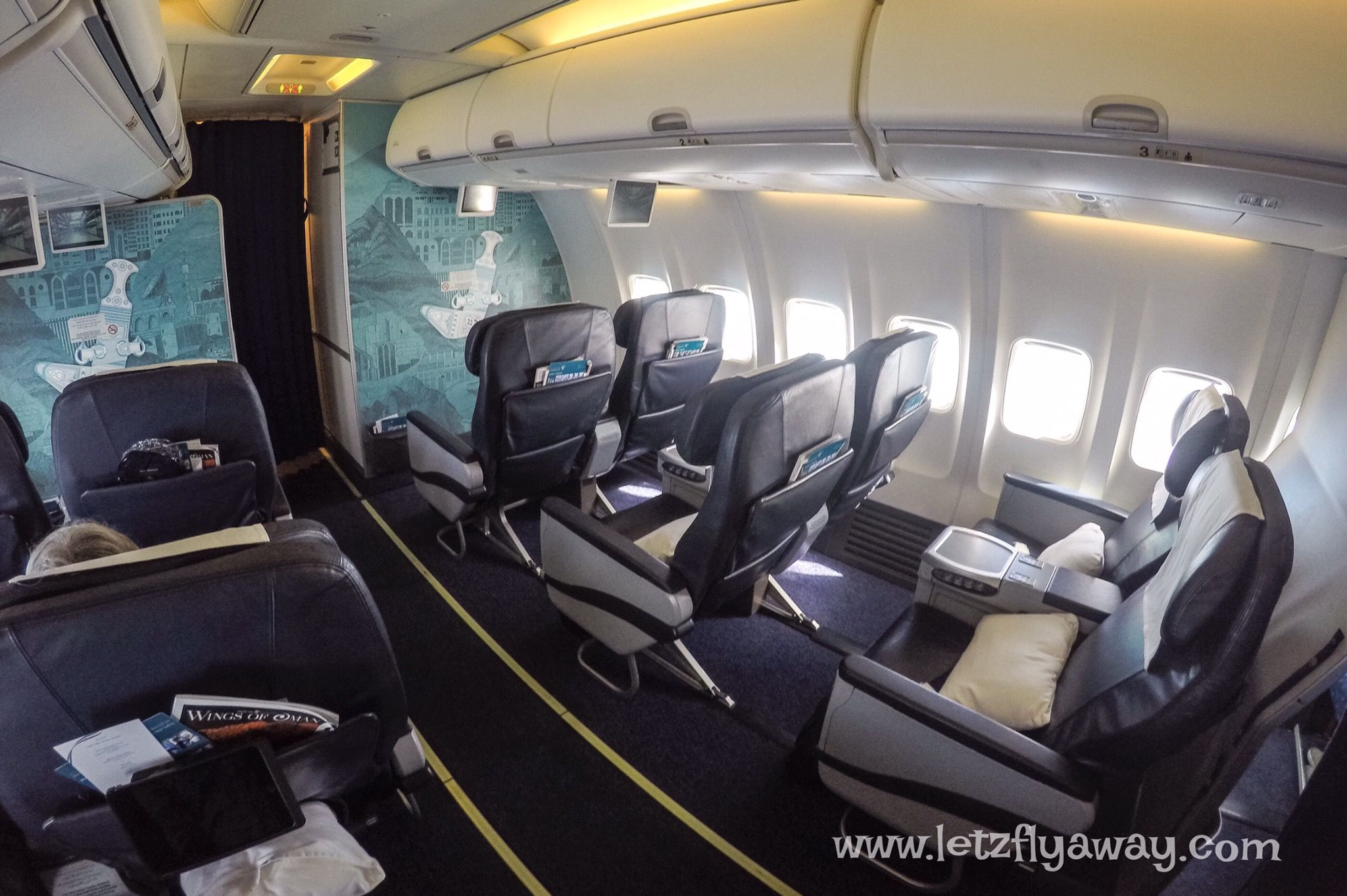 Oman Air Business Class Boeing 737 800 In 2019 Business