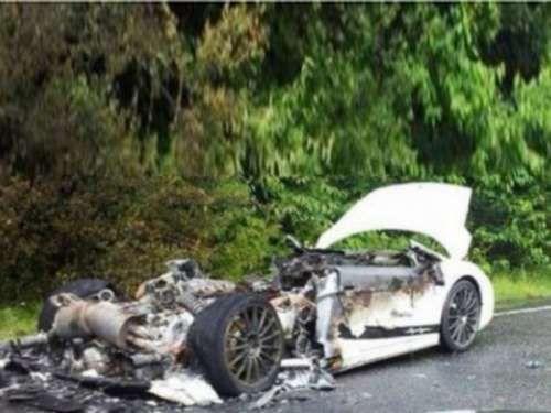 Lamborghini Gallardo Supperleggera: Восстановлению не полежит. Очень неприятный инцидент с первым поколением Lamborghini Gallardo Supperleggera произошел в Англии на шоссе A41 рядом с местечком Хемел Хемпстед, Итальянский суперкар загорялся во время движения. К счастью, водитель и пассажир усп�