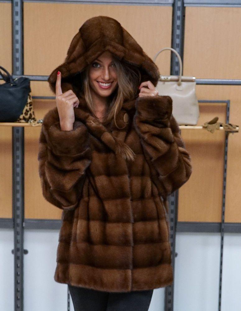 Fur Coats · giaccone donna pelliccia di visone orizzontale demi brown con  cappuccio OVERSIZE f6852063663
