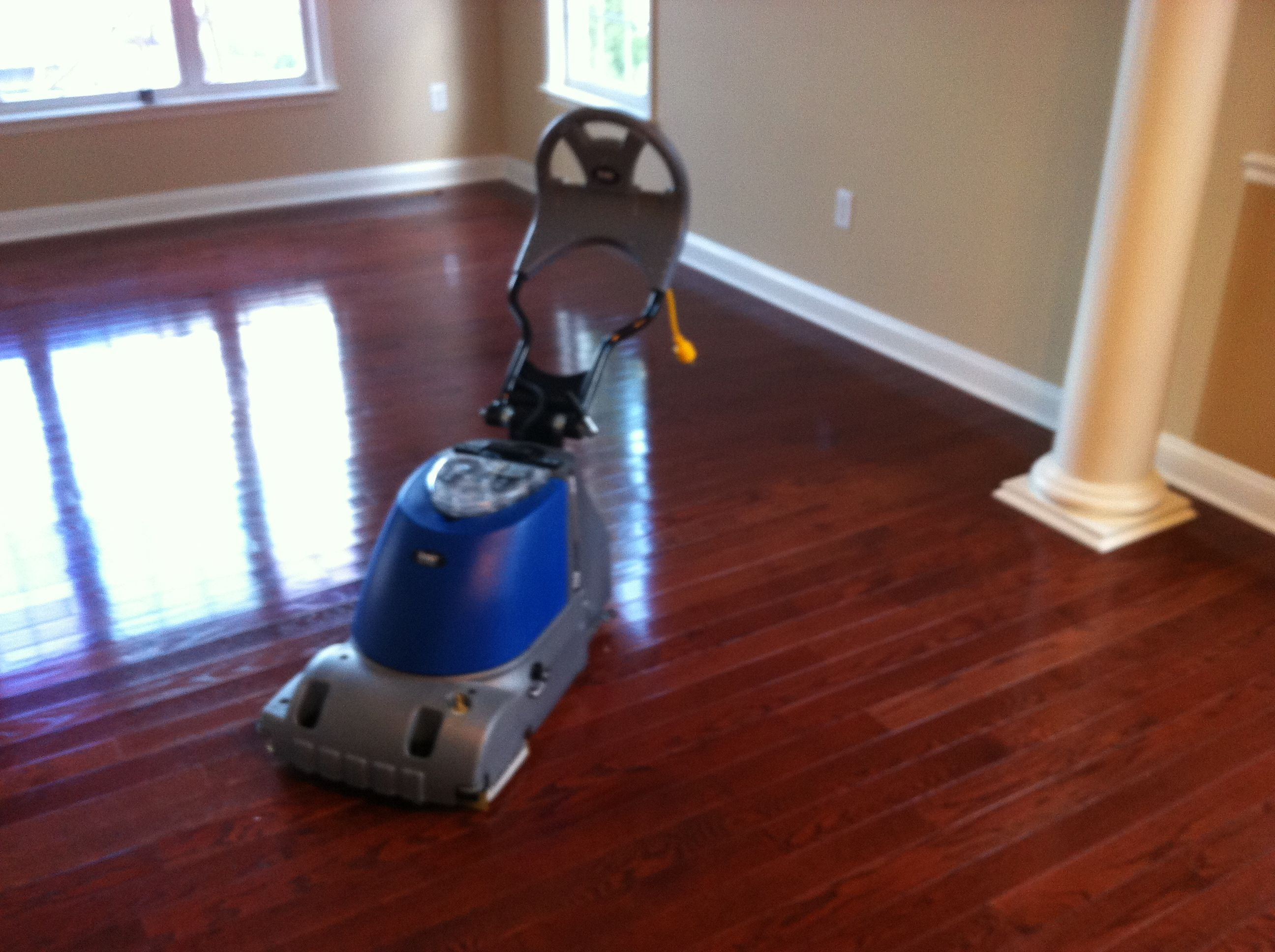 Superior What Is The Best Thing To Clean Hardwood Floors Part - 4: Painting Of Letu0027s Choose The Best Thing To Clean Hardwood Floor With Great  Result Without Regret