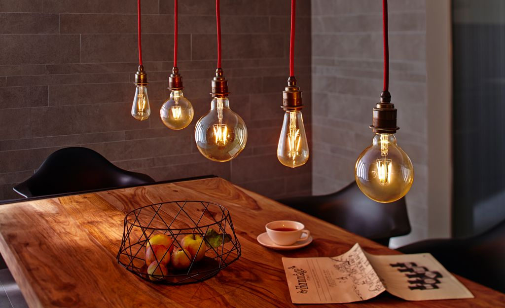 LED Leuchtmittel Sind Sparsam, Den Charme Einer Klassischen Glühfadenlampe  Haben Sie Aber Nicht: Diese LED Lampen Verbreiten Wohnlich Goldenes Licht