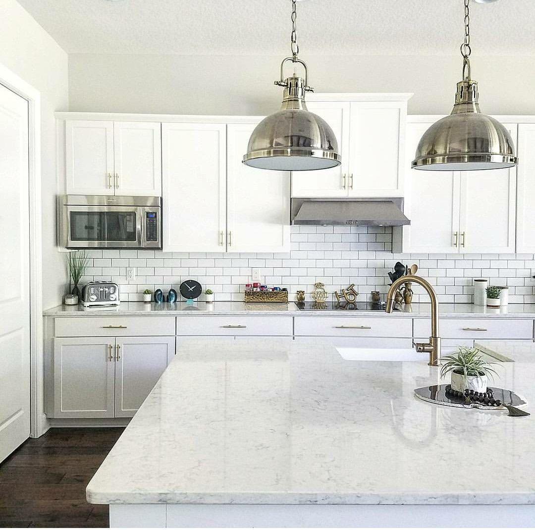 Download Wallpaper White Kitchen Island With Quartz Top