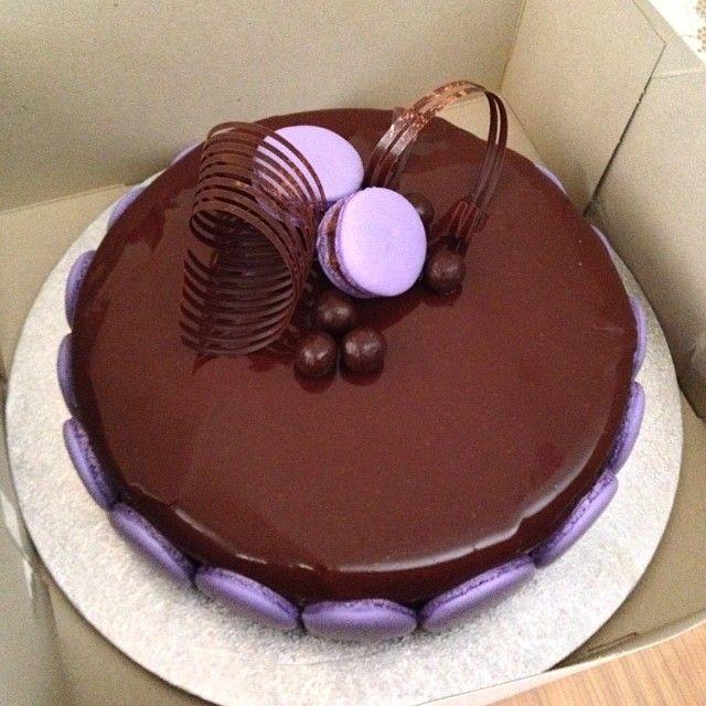 Nocciolina #entremet by Chocolate Chilli Mango #macarons