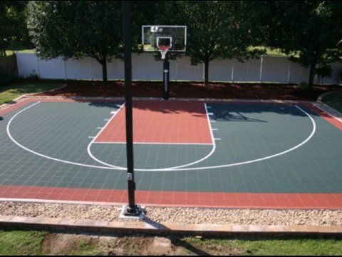 HomeCourt Sports provides gym flooring for St. Louis' basketball courts!