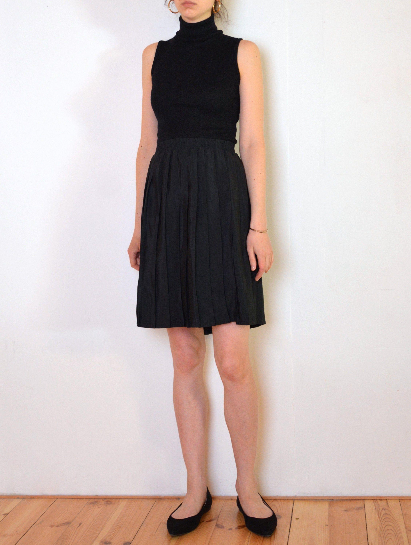80 S Black Pleated Skirt Knee Length Flared Black Midi Etsy Preppy Skirt Black Pleated Skirt Geometric Print Dress [ 3000 x 2260 Pixel ]