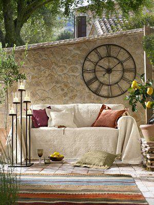 Wanduhr, Sofaüberwurf, Standleuchter home design Pinterest - sch ne wanduhren wohnzimmerideen fur gartengestaltung