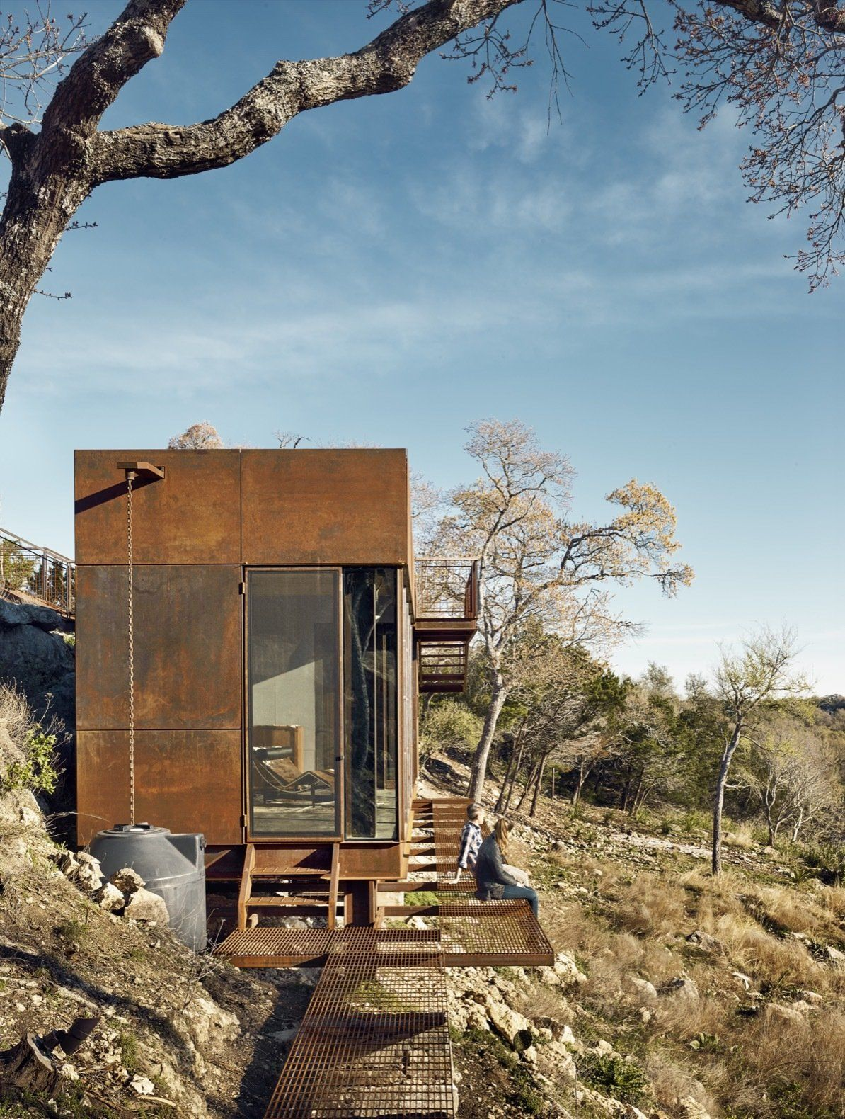 Mehrabad House Sarsayeh Architectural Office: An Award-Winning Writing Studio Hides Quietly In Texas In 2020