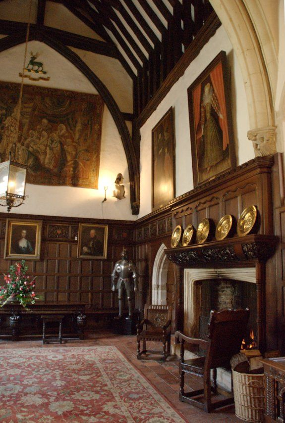 Pin by Emilia Margarita on Medieval and Tudor Great Halls ...