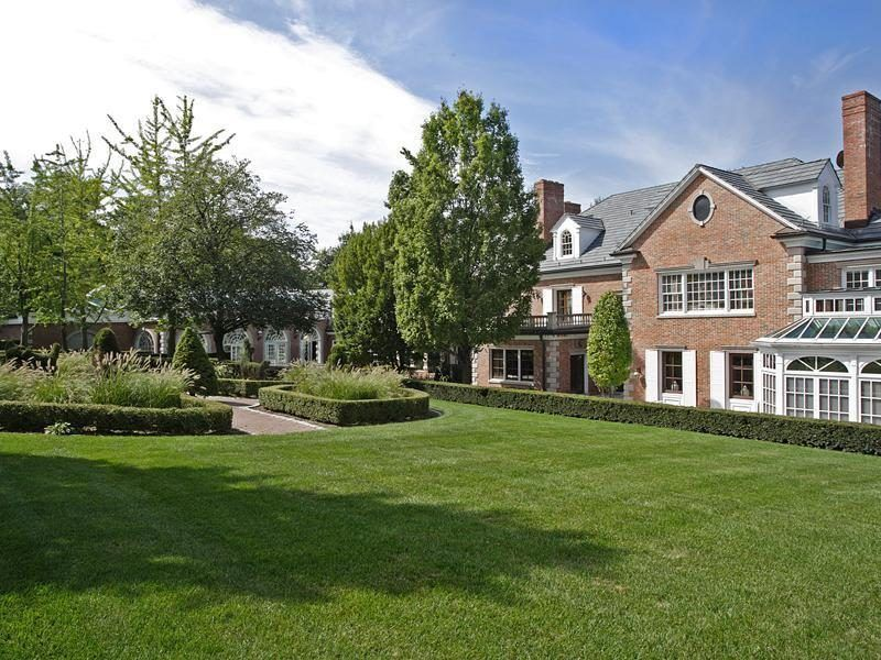 Eddie Murphy S Bubble Hill Party Palace Finally Finds Buyer