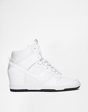 Nike - Dunk Sky Hi Essential - Weiße Turnschuhe mit Keilabsatz - Weiß
