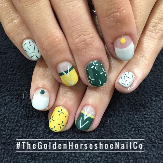 This Color Combo Thegoldenhorseshoenailco Broadwaysalonstudios Nails Co Manicure Horseshoe Nail