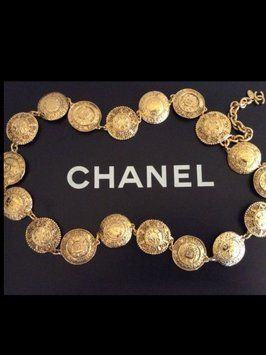 Rare Authentic CHANEL Vintage 1980's Gold Plated 18 Medallion Belt/ Necklace