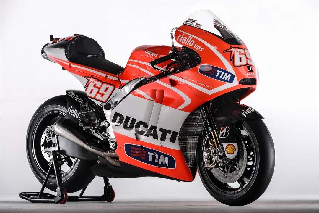 First Shots of the Ducati Desmosedici GP13