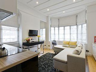 Un+dormitorio+hermoso+diseño+interior+contemporáneo+plana+junto+a+Kew+Green,++++Alquiler de vacaciones en Londres de @homeaway! #vacation #rental #travel #homeaway