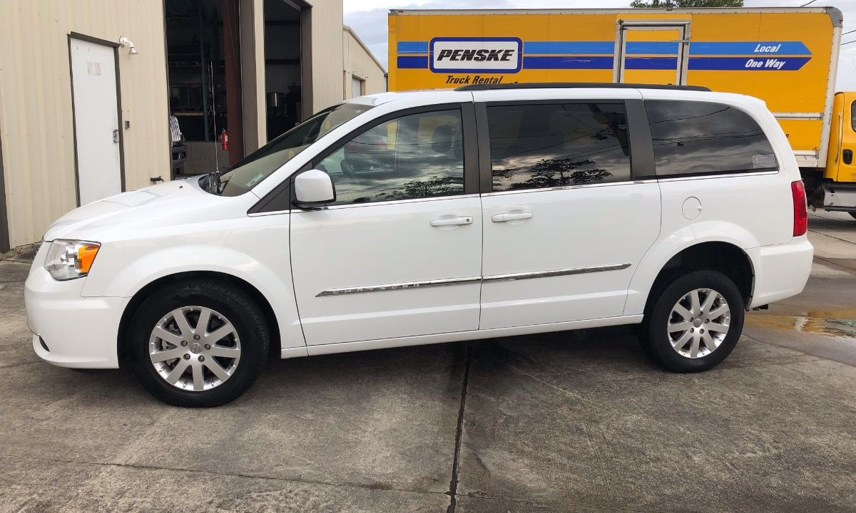 Used 2016 Chrysler Town And Country Wheelchair Van Chrysler Town
