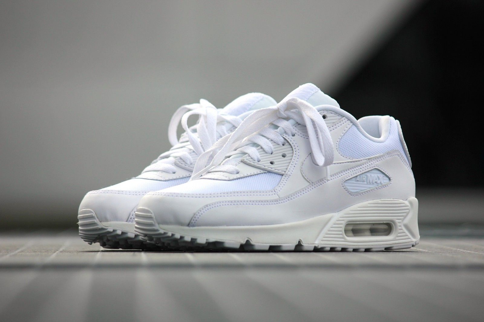 premium selection bbdb5 74863 Nike Air Max 90 Essential All White - 537384-111