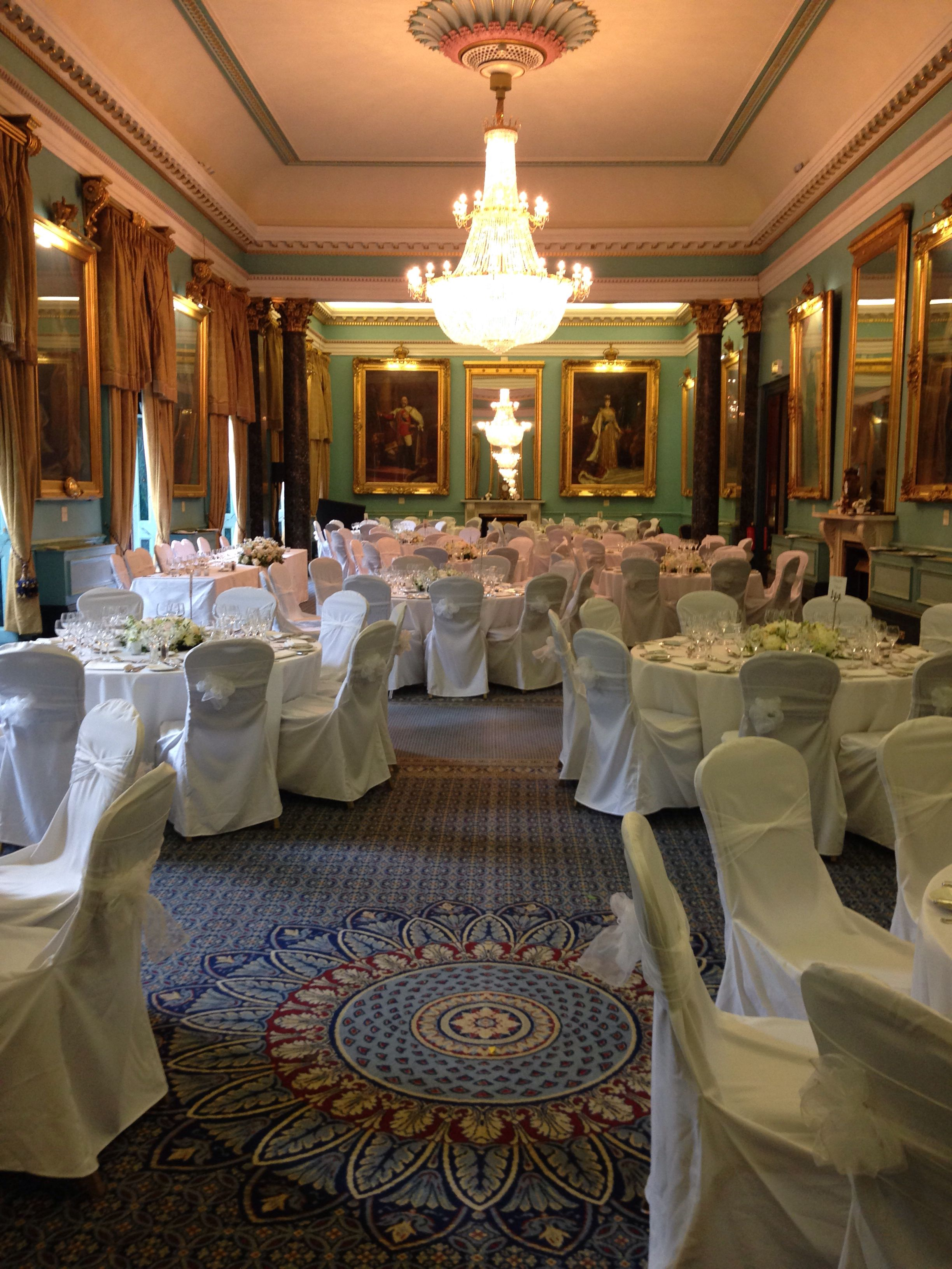 This Room Is Exquisite What A Joy Styling This Regal Room