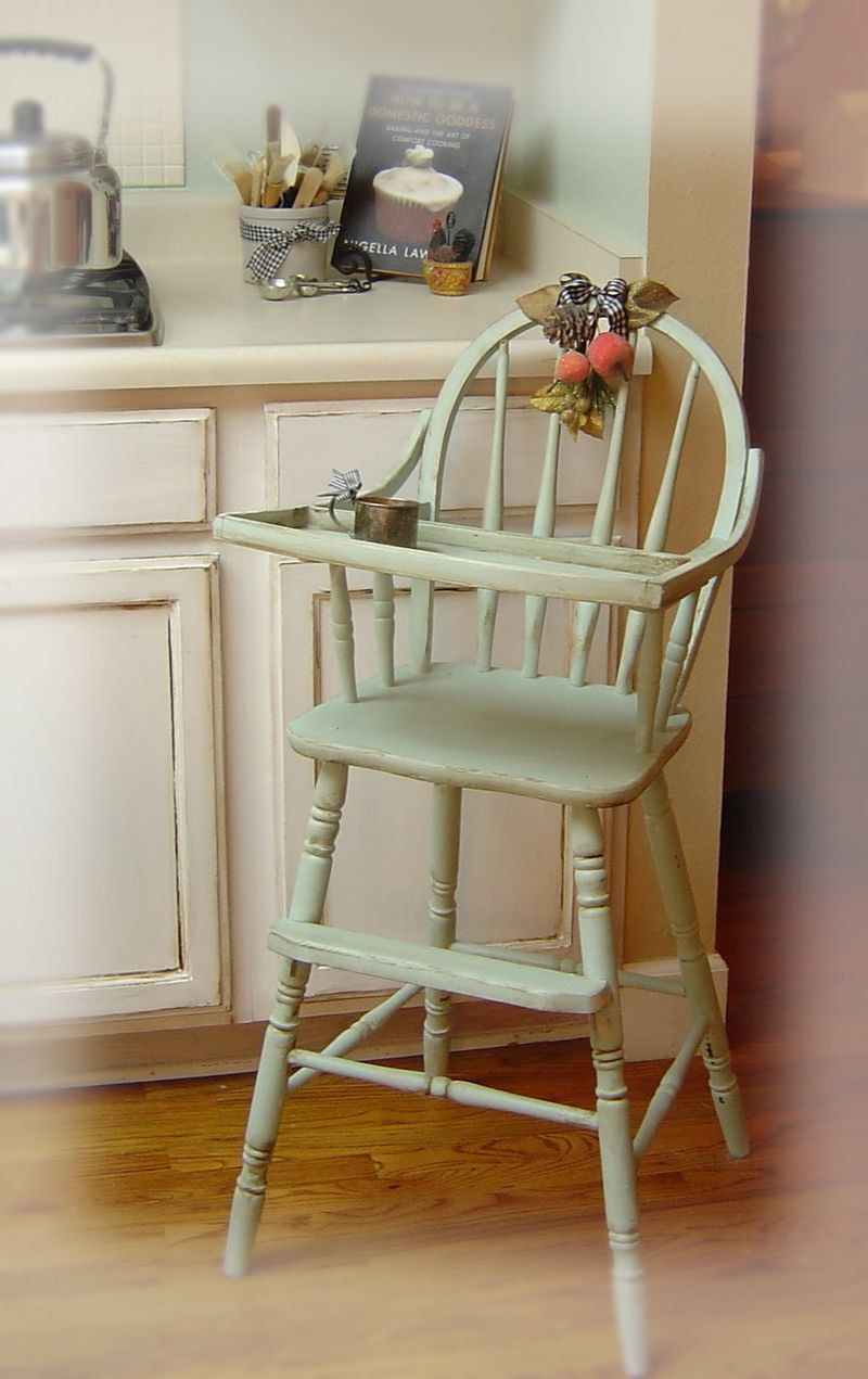 Painted wooden high chair - Painted Wooden High Chair Painted Wooden High Chair 40