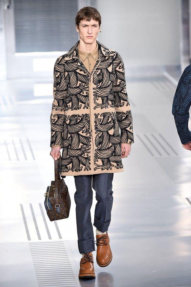 Coleção // Louis Vuitton, Paris, Inverno 2016 RTW // Foto 6 // Desfiles // FFW
