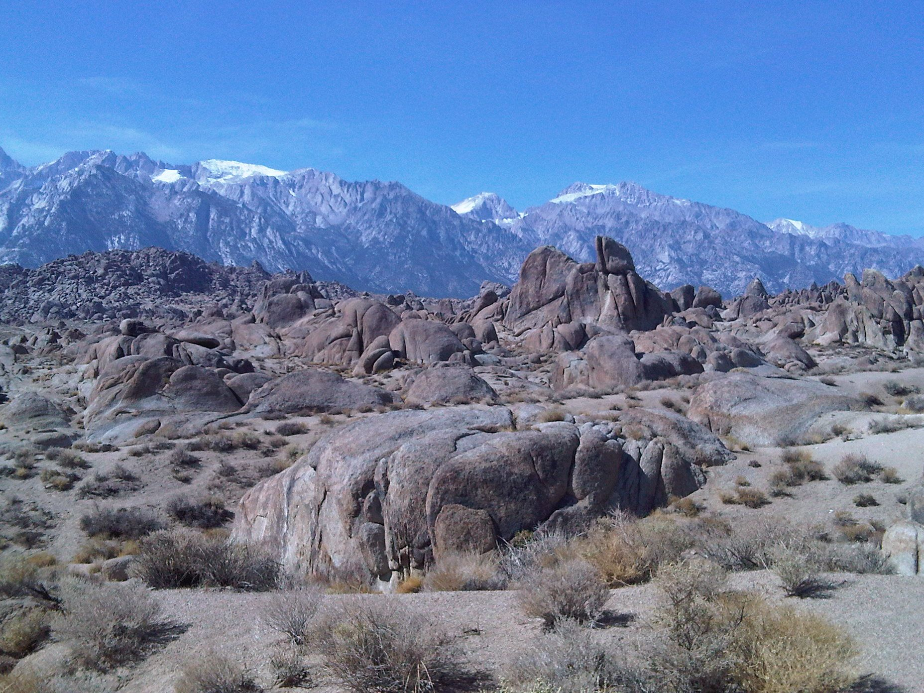 Sierra Nevada Ca: Alabama Hills In The Foreground, Sierra